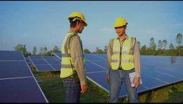 CONVERTIRTE EN OPERARIO DE REDES Y CENTROS DE DISTRIBUCIÓN DE ENERGÍA ELÉCTRICA: TEMARIO Y LAS SALIDAS PROFESIONALES